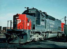 Foto RailPictures.Net: SP 8321 Southern Pacific Railroad EMD SD40T-2 em Ennis…