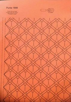 Punto faisán Bobbin Lace Patterns, Lace Outfit, Lace Making, Needlework, Hand Weaving, Crafts, Bobbin Lace, Lace Shawls, Hand Fans
