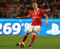 Manchester United Might Not Be Interested In Victor Lindelof Anymore      According sources Manchester United have cooled their interest in Benfica's Swedish centre-back Victor Lindelof. One source has said that the interest in Lindelofhas cooled due to the upturn in United's form and the return to fitness of their central defenders.  However sources in Portugal believe a potential 38m deal to take him to Old Traffordis still on the table. Lindelof was left out of the Benfica squad for the…