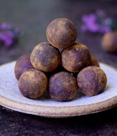 Bliss balls recipe with mulberries, rolled in maqui berry powder and cinnamon. Easy to make raw vegan truffles. These power balls are healthy & tasty snack