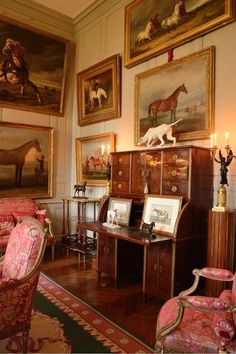 Traditional Equestrian Art Traditional Equestrian Art – The Glam Pad Traditional Decor, Traditional House, Salons Cottage, English Country Decor, French Country, Equestrian Decor, Equestrian Style, European Home Decor, Classic Interior