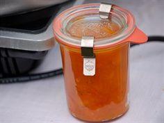 Marmelády i džemy je potřeba nechat tak minimálně týden uležet, aby se spojily...