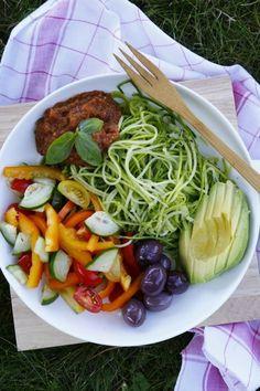 Assiette Crue de Spaghettis de Courgettes {Guest Post de Food Moods} | Del's cooking twist