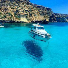 Lampedusa, La Tabaccara…flying boat repost from @cinzitaly - Barca volante #tabaccara #lampedusa #barchevolanti #isola #island #isla #crystalwater #acquacristallina #boat #barca #paradise #paradiso #bluelagoon #lagunablu #malta #agrigento #palermo...
