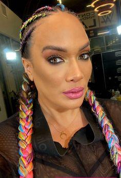 Nia Jax, Wwe Female Wrestlers, Wwe Girls, Wwe Womens, Makeup Looks, Beautiful Women, Make Up, Hair Styles, Beauty