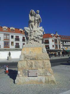 Estatua de la Virgen del Carmen.  Vilanova de Arousa