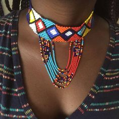 One of the very first considerations when buying a diamond locket is the size of the diamond. Diamonds are determined in carats with a larger number suggesting a bigger and more pricey stone. African Beads, African Jewelry, Tribal Jewelry, Cool Necklaces, Jewelry Necklaces, Beaded Jewelry, Jewellery, Zulu, Choker Outfit