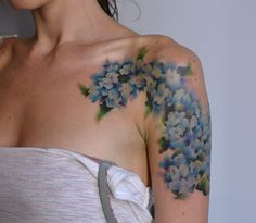 Hydrangea Tattoo by Pete Zebley of Philadelphia.  I love this, but I'd like it more as a thigh tattoo!