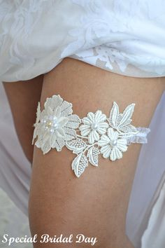 Lace Wedding Garter Ivory Bridal Garter With by BridalSpecialDay, €19.00
