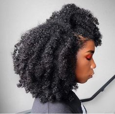 The introduced the Afro hairstyle to the public, and it reached its peak in the In the century, the style is already considered a classic. Natural Hair Inspiration, Natural Hair Tips, Natural Hair Growth, Natural Hair Journey, Natural Hair Styles, 4c Hair, Afro Hair, Hair Updo, Curly Afro