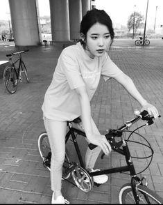Kpop Girl Groups, Kpop Girls, Korean Girl, Asian Girl, Iu Twitter, Euna Kim, Anime Child, Bicycle Women, K Pop Star
