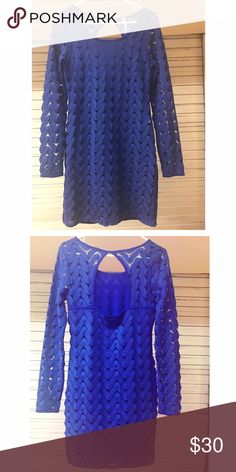 """Free People women's dress. In great condition Free people women's dress. Color royal blue. Size says Small but runs big can possibly fit Medium . (See dimensions). Dimensions are chest 34-38"""", waist 29"""", hips 36-38"""". Length from shoulder down is 35"""", Sleeve length is 26"""" Free People Dresses"""