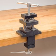 Vertical Bench Vise