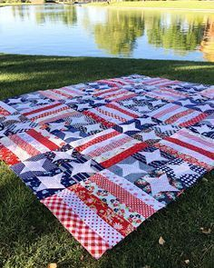 Stitching Revival: Flag Day Quilt - picnic blanket with denim backing. Flag Quilt, Patriotic Quilts, Star Quilts, Scrappy Quilts, Easy Quilts, Quilt Blocks, Star Blocks, Quilt Top, Quilting Projects