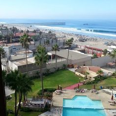 Beautiful view from Oceana Condominiums - Rosarito Inn www.rosarito.org #DiscoverBaja #DescubreBC #BuenViernes #Beach #SpringBreak #SemanaSanta #Fun #Diversion #Sol #Sun #Sand #Arena #Amigos #Friends Photo by marzbarz20