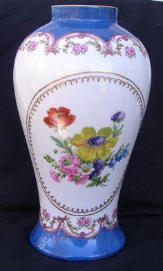 """Paris Royal Peint A La Main Porcelain Hand Painted 11"""" Vase Floral Pattern   eBay"""