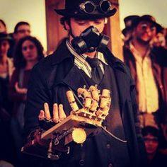 #steampunk #woodenarm #vaporosamente #WoodenArmMan #italiansteampunk #ItalianSteamer #diy