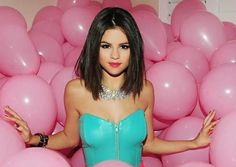 Resultado de imagen para selena gomez hit the lights short straight hair