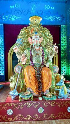 Shree Ganesh, Ganpati Bappa, God Pictures, Lord Ganesha, Indian Gods, New Beginnings, Videos Funny, Bad Boys, Mythology
