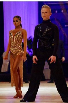 Ballroom Costumes, Latin Ballroom Dresses, Ballroom Dance Dresses, Dance Costumes, Latin Dresses, Belly Dance Outfit, Salsa Dress, Dance Fashion, Dance Outfits