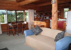 Masterton Holiday Cabin Rental - 1 Bedroom, 1.0 Bath, Sleeps 5