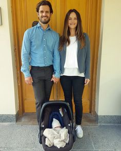 """2,008 gilla-markeringar, 40 kommentarer - It's A Boy! (@hrhprincesssofia) på Instagram: """"Princess Sofia and the new baby have arrived home! The first official photo was released showing…"""""""
