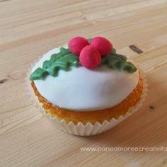 Natale in cucina: come decorare un muffin con l'agrifoglio in pasta di zucchero