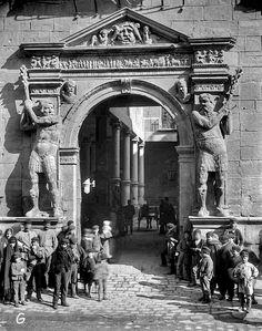 La Audiencia.1889 Big Ben, Louvre, Europe, Building, Travel, Retro, Zaragoza, Antique Photos, Exhibitions