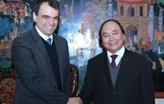VINCI Construction investit dans des infractructures au Vietnam. Le vice-Premier ministre Nguyen Xuan Phuc a reçu mardi à Hanoi M. Jean-Luc Brial, directeur opérationnel Asie & métier du bâtiment et de l'hydraulique du groupe français Vinci.
