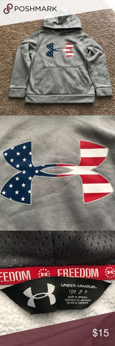 Youth small under Armour storm hoodie like new LIKE NEW - No picks, pulls, or pilling - youth small - polyester storm 1 hoodie Under Armour Shirts & Tops Sweatshirts & Hoodies