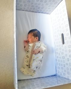 One of the first bubs to receive a #babyboxco Baby Box at Queen Charlotte's and Chelsea Hospital in #London. :)