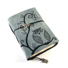 A bit fat maybe . More photos here: [link] The Wise One Junk Journal, Journal Ideas, Owl Writing, Wise One, Owl Crafts, Book Binding, Leather Journal, Anime Demon, Handmade Leather