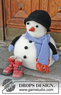 "Frank - DROPS Christmas: Knitted DROPS snowman with scarf and hat in ""Eskimo"". - Free pattern by DROPS Design"
