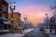 Petoskey, MI Christmas shopping on Mitchell Street