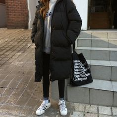 Korean Winter Outfits, Winter Outfits For Teen Girls, Korean Fashion Winter, Korean Outfits, Mode Outfits, Korean Clothes, Fashion Moda, Look Fashion, New Fashion