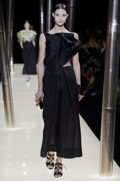 78 photos of Armani Privé at Couture Spring 2015.