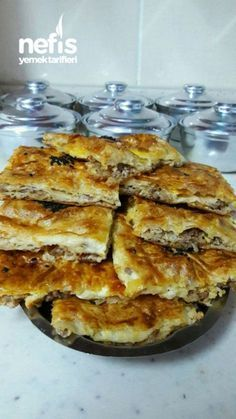 Delicious Pastry with Minced Meat and Beef - Delicious Recipes-Hazır Yufkalı Kıymalı Enfes Börek – Nefis Yemek Tarifleri Delicious Pastry with Minced Meat - Other Recipes, Great Recipes, Delicious Recipes, Italy Food, Healthy Comfort Food, Muffins, The Best, Vegetarian Recipes, Meals For One