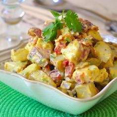 Bacon Potato Salad with Sweet Mustard Dressing. This satisfying bacon potato salad with a sweet and tangy mustard dressing borrows the best from a combination of a few favourite potato salad recipes. Barbecue Sides, Barbecue Side Dishes, Bacon Potato, Potato Salad, Mustard Dressing, Cooking Recipes, Healthy Recipes, Greek Recipes, Greek Desserts