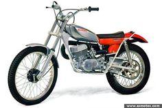 Suzuki year by year Moto Suzuki, Suzuki Motorcycle, Enduro Vintage, Vintage Bikes, Youth Dirt Bikes, Motos Trial, Trial Bike, Dirtbikes, Repair Manuals