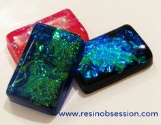 faux opal faux dichroic glass Next on my project hit list! Resin Jewelry Tutorial, Resin Jewlery, Resin Tutorial, Jewelry Making Tutorials, Glass Jewelry, Ice Resin, Clear Resin, Resin Art, Resin Spray