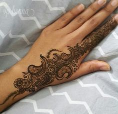 Mehndi design Henna Designs Easy, Mehndi Art Designs, Mehndi Desing, Beautiful Henna Designs, Mehndi Patterns, Henna Tattoo Designs, Henna Ink, Mehndi Tattoo, Henna Mehndi