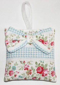 Love this shabby chic lavender bag