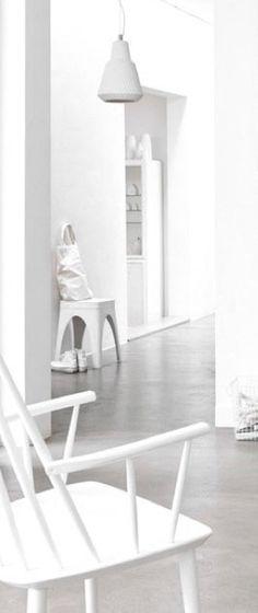 Via Oma Koti Valkoinen | White Hallway | Minimalistic