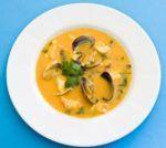 Receita deSopa do Mar A Sopa do Mar é uma receita que agrada pelo sabor e pela facilidade no modo de preparo. Veja aqui, como fazer esta receita deSopa do Mar! Dificuldade: fácil Ingredientes: 500g de lombo de tamboril; 350g de camarão; 700g de mexilhão; 500g de amêijoas; 125 ml de...