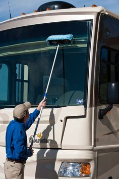 7 Quick and Dirty Tips For Easy RV Washing And Waxing -- DoityourselfRV.com - RV Mods, RV Guide, RV Tips --by Rene Agredano