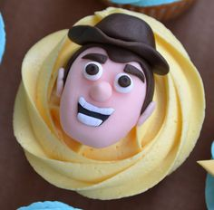 Toy Story cupcakes - Woody