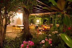 Tra il verde del giardino una pausa di relax e gusto