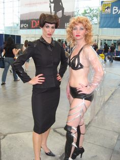 Two sexy women pose at San Diego Comic Con, 2007 - Photo by San Diego video producer Patty Mooney of Crystal Pyramid Productions San Diego Comic Con, Sci Fi Movies, Female Poses, The Past, Sexy Women, Glamour, Cosplay, Video Production, Crystals