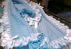 Copertina bebè in pura lana lavorata a ferri,Officina67 handmade factory Napoli