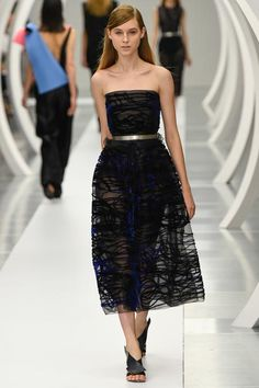 Roksanda Spring 2015 Ready-to-Wear - Collection - Gallery - Look 1 - Style.com